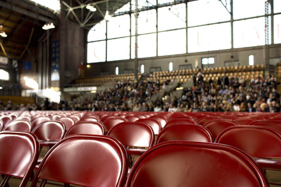 rsz_people-show-chairs-gym